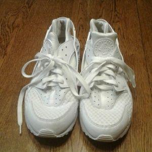 Men's Air Huache by Nike 9 $ 80.00 # 787